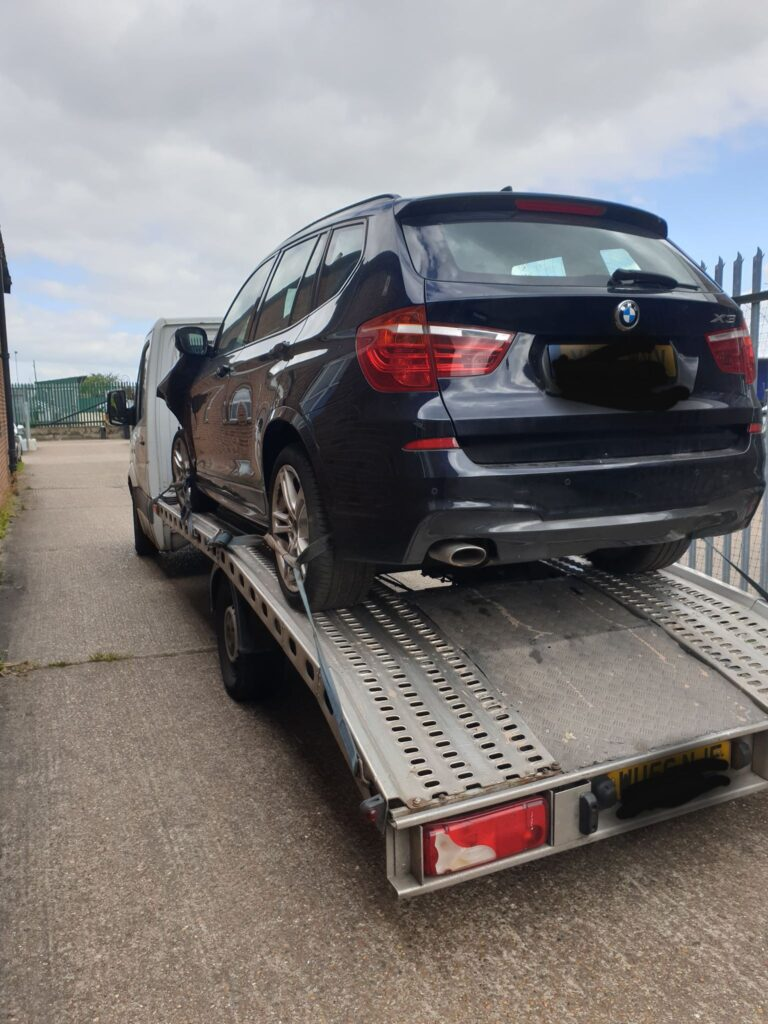 Get Professional Car Breakdown Recovery and Towing Service in Clapham SW4