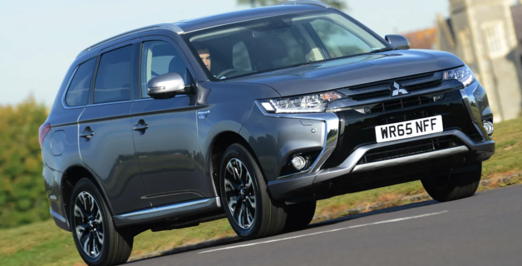 Cars for towing Mitsubishi Outlander 2.2D 4 AWD Auto
